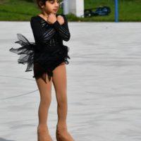 Ailee springt am Podestplatz vorbei