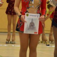 Fanny im Wettbewerb der Kunstläuferinnen