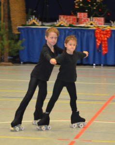 zwei Rollkunstläufer
