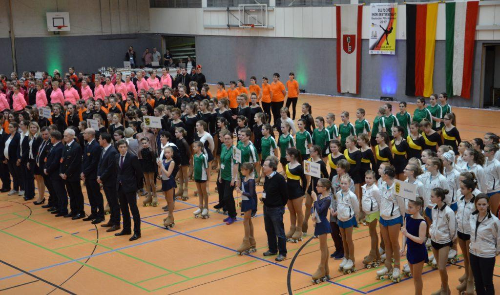 Eröffnungszeremonie mit vielen Sportlern
