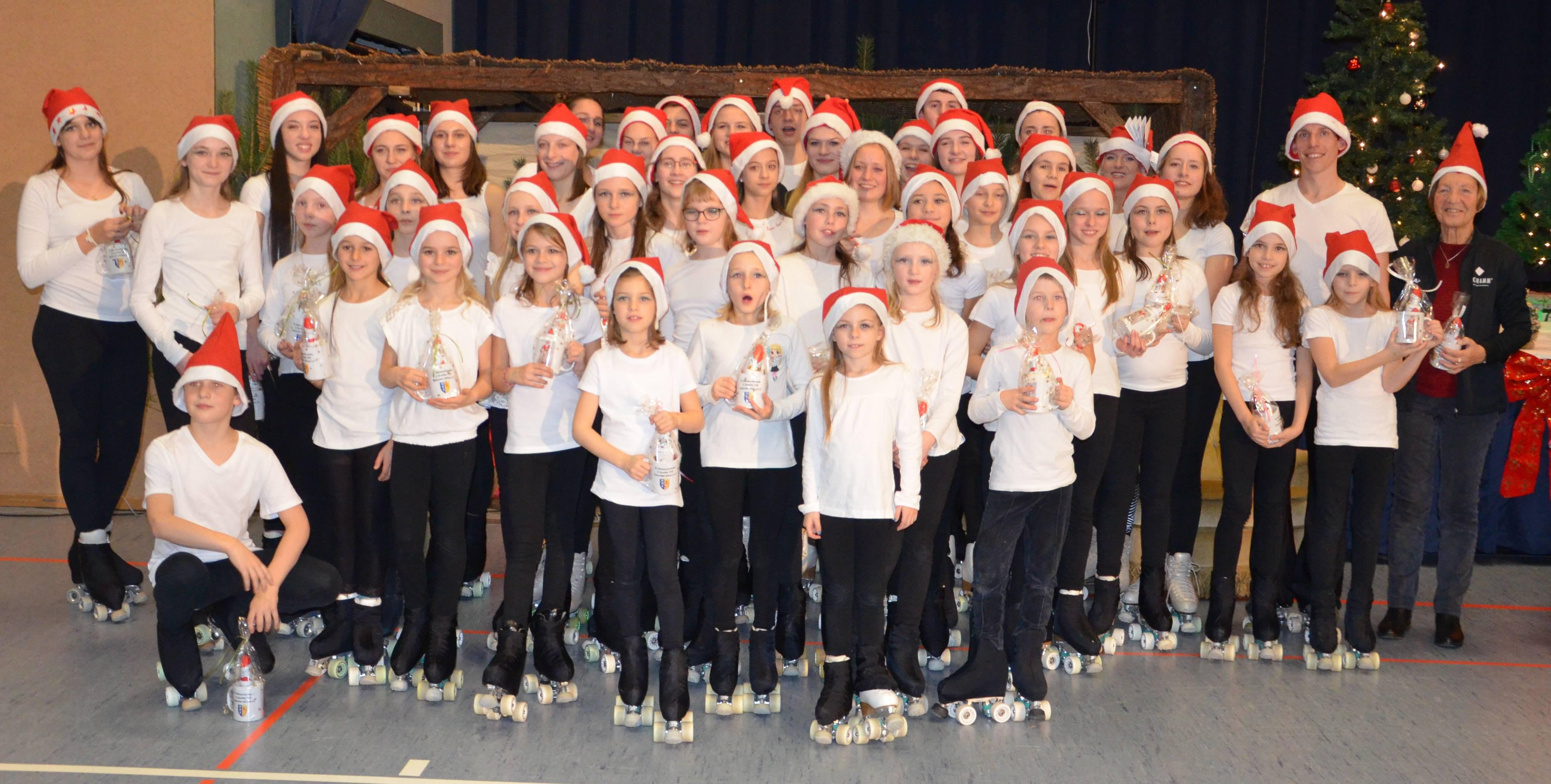 unsere tollen Post-Sportler beim 18. Nikolausschaulaufen – danke !