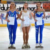 Team Sachsen in der Meisterklasse Solotanz – Kelly links, Johanna rechts
